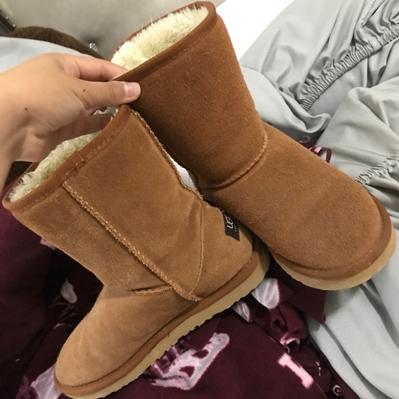 b10bee4717a Women's 7 classic mid rise Ugg boots